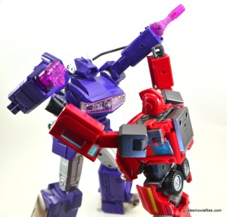 Transformers Masterpiece Ironhide figure review - fighting Shockwave