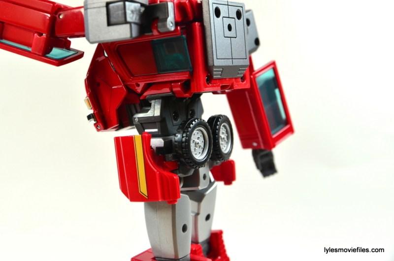 Transformers Masterpiece Ironhide figure review - kibble close up