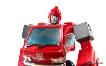 Transformers Masterpiece Ironhide figure review - main pic