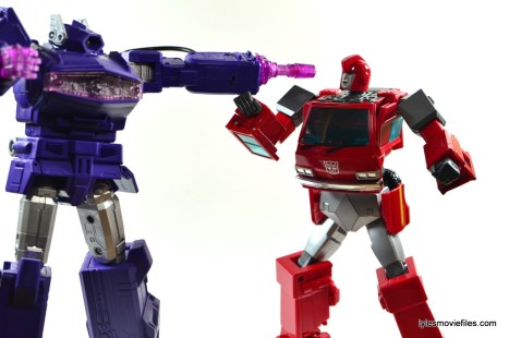 Transformers Masterpiece Ironhide figure review - vs Shockwave