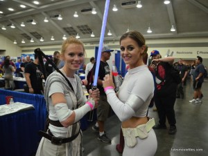 Baltimore Comic Con 2016 - Rey and Padme tight