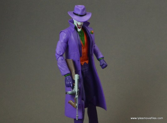 dc-icons-the-joker-figure-review-tommy-gun-to-the-side
