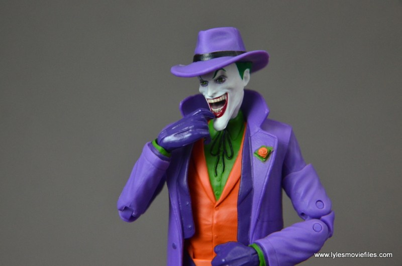 dc-icons-the-joker-figure-review-sizing-up-victim