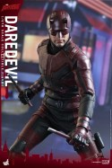 hot-toys-netflix-daredevil-figure-sticks-out