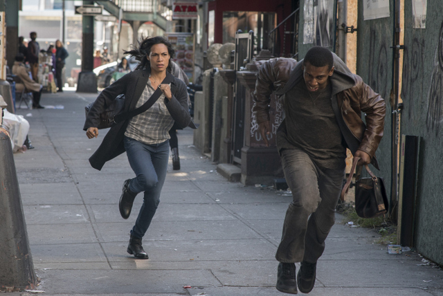 luke-cage-just-to-get-a-rep-claire-chasing-purse-snatcher