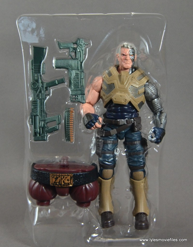 marvel-legends-cable-figure-review-accessories-in-tray