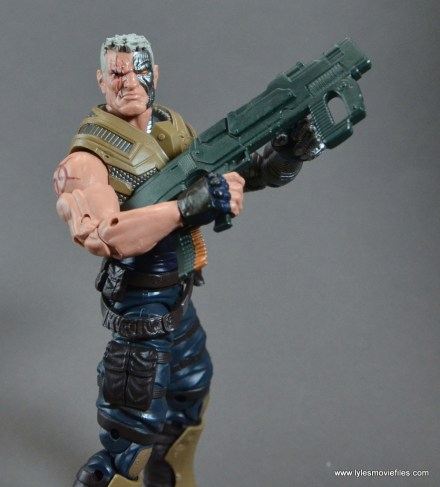 marvel-legends-cable-figure-review-holding-big-gun