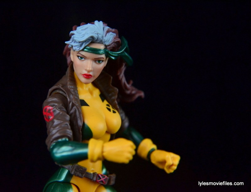 Marvel Legends Rogue figure review - battle stance