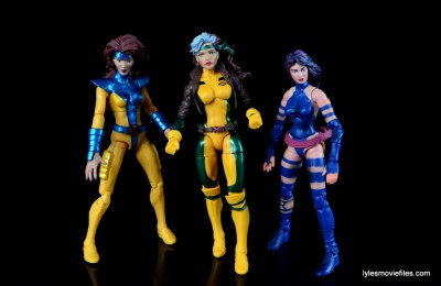 Marvel Legends Rogue figure review - with Jean Grey and Psylocke