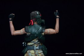 neca-aliens-series-9-pvt-jenette-vasquez-glove-and-bicep-detail