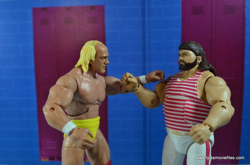 wwe-elite-44-tugboat-figure-review-with-hogan-in-the-locker-room