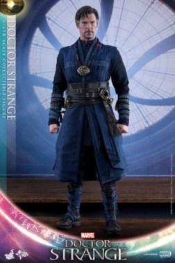 Hot Toys Doctor Strange no cape