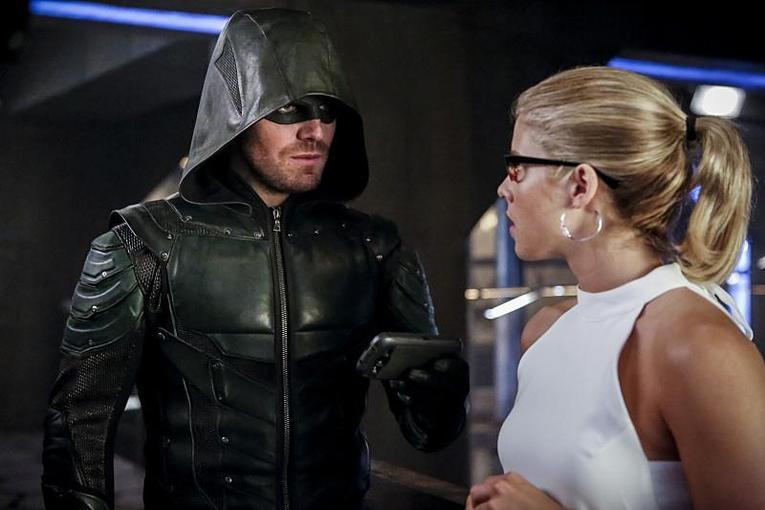 arrow-the-recruits-green-arrow-and-felicity-2
