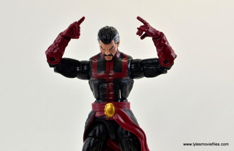 marvel-legends-doctor-strange-figure-review-focusing