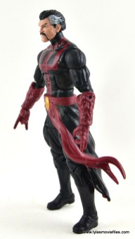 marvel-legends-doctor-strange-figure-review-left-side