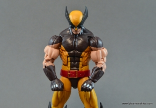 marvel-legends-wolverine-figure-review-main-pic