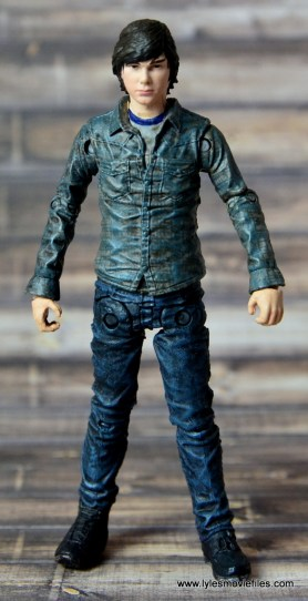 the-walking-dead-carl-grimes-figure-review-series-7-front