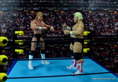 wwe-hall-of-fame-dusty-rhodes-figure-review-face-off-with-lex-luger