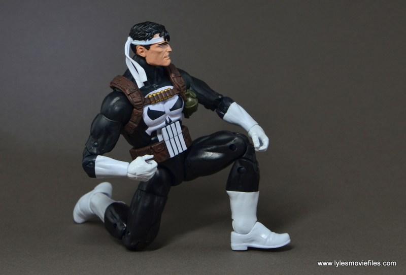 marvel-legends-punisher-figure-review-kneeling