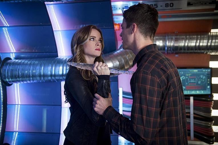 the-flash-killer-frost-review-caitlin-and-barry