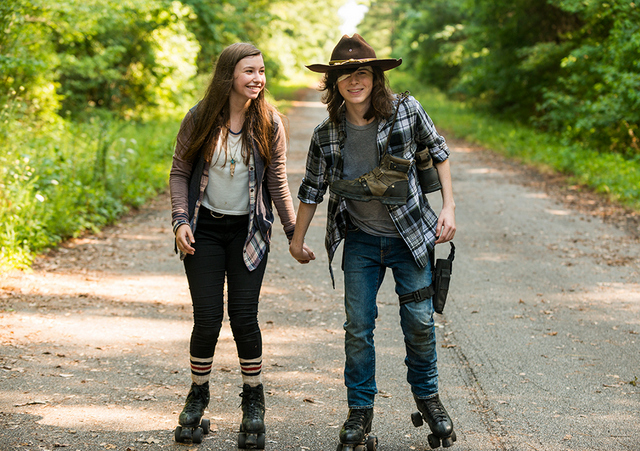 the-walking-dead go-getters review-enid-and-carl