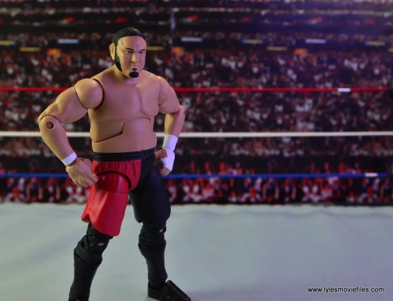 wwe-elite-43-samoa-joe-figure-review-hands-on-hips