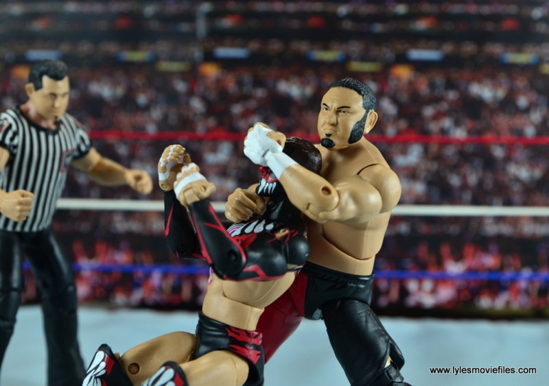 wwe-elite-43-samoa-joe-figure-review-kokina-clutch-on-finn-balor
