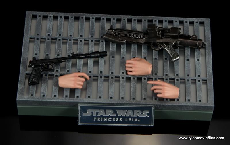 Hot Toys Princess Leia figure review - accessories