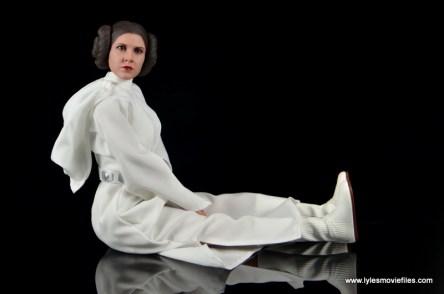 Hot Toys Princess Leia figure review -seated pose