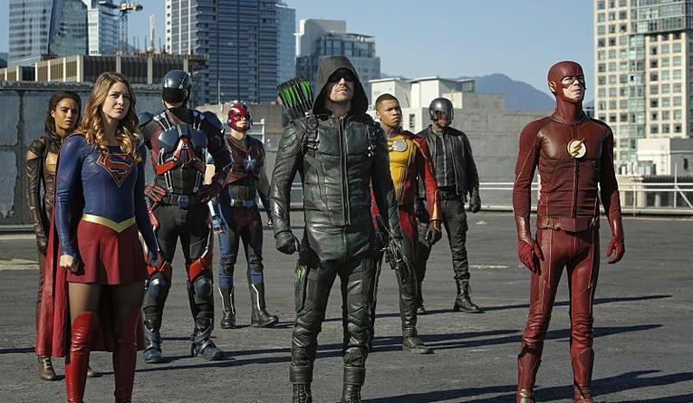 legends-of-tomorrow-invasion-review-supergirl-vixen-steel-atom-green-arrow-firestorm-diggle-and-flash
