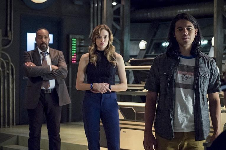 The Flash The Present review - Joe, Caitlin and Cisco