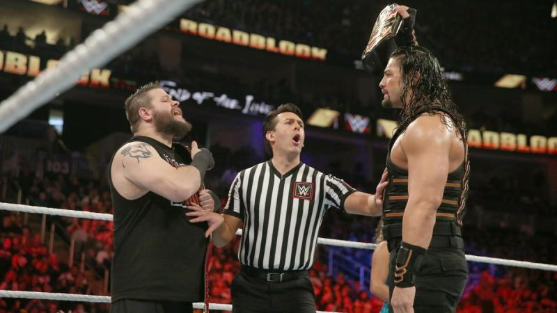 WWE Roadblock 2016 - Kevin Owens vs Roman Reigns