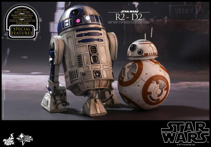 Hot Toys Star Wars The Force Awakens R2-D2 figure - with BB-8