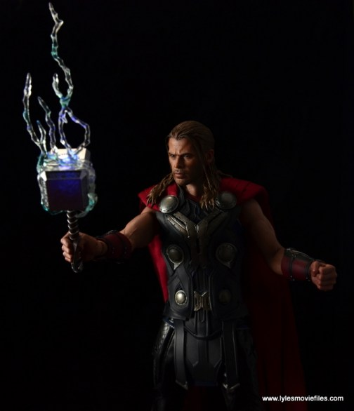 Hot Toys Thor figure review Avengers Age of Ultron -lit up Mjloner