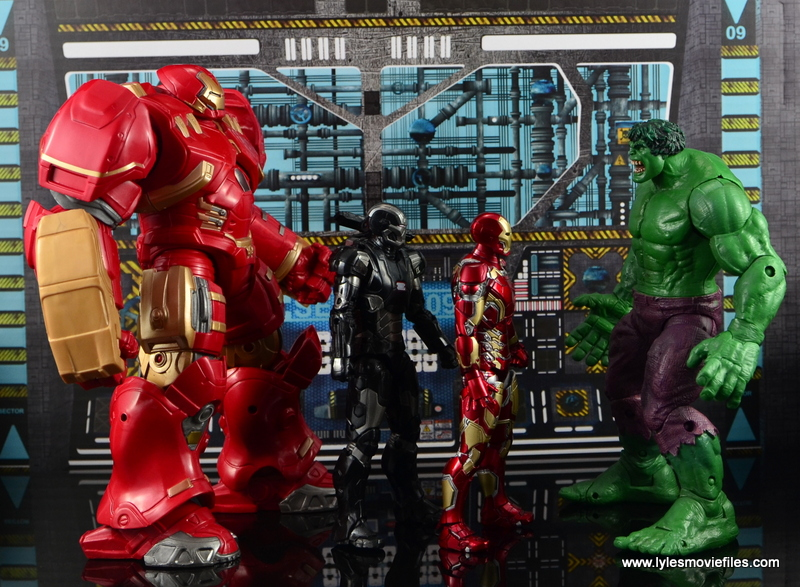 Marvel Legends Hulkbuster Iron Man figure review - scale with War Machine, Iron Man and Hulk