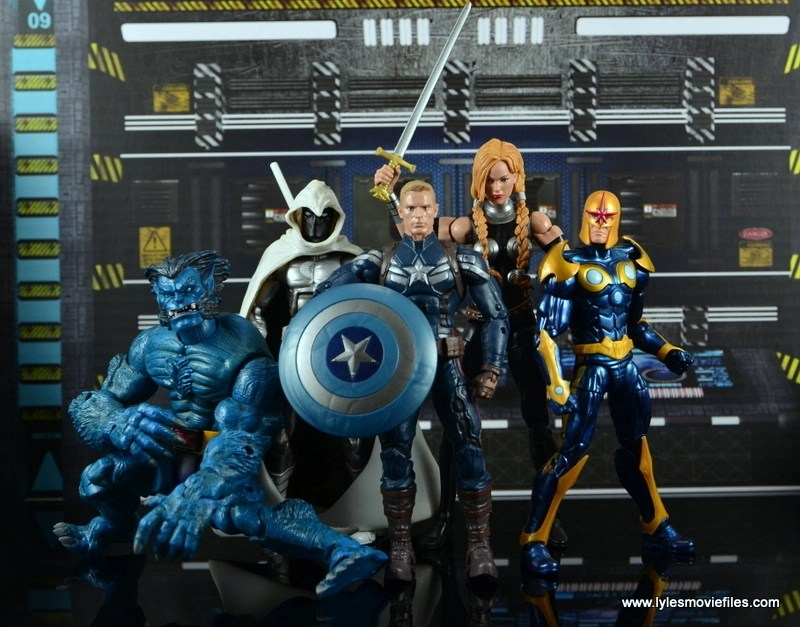 Marvel Legends Valkyrie figure review - Secret Avengers Beast, Moon Knight, Steve Rogers and Nova