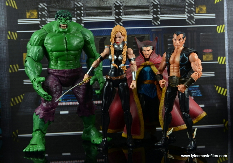 Marvel Legends Valkyrie figure review - The Hulk, Doctor Strange and Namor Defenders