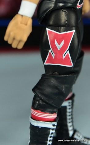 WWE Elite Sami Zayn figure review - SZ logo paint detail