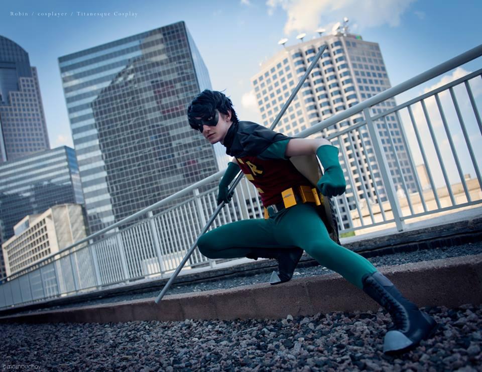 Robin teen titans cosplay