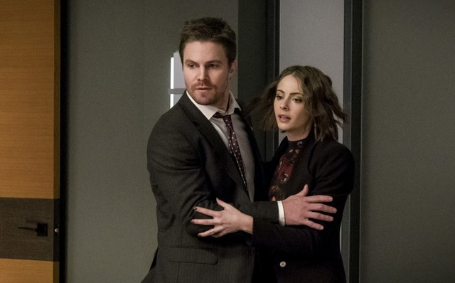 Arrow Spectre of the Gun review - Oliver and Thea