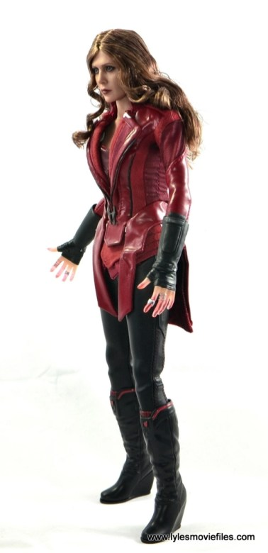 Hot Toys Scarlet Witch figure review - left side