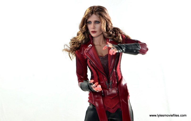 Hot Toys Scarlet Witch figure review - ready to summon power