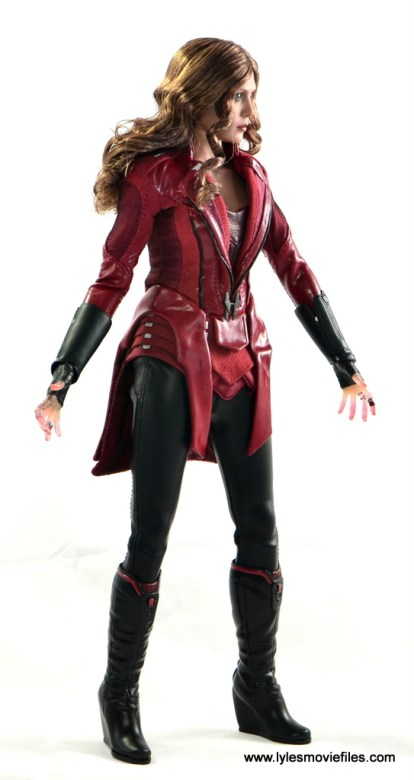 Hot Toys Scarlet Witch figure review - right side