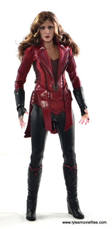 Hot Toys Scarlet Witch figure review - straight
