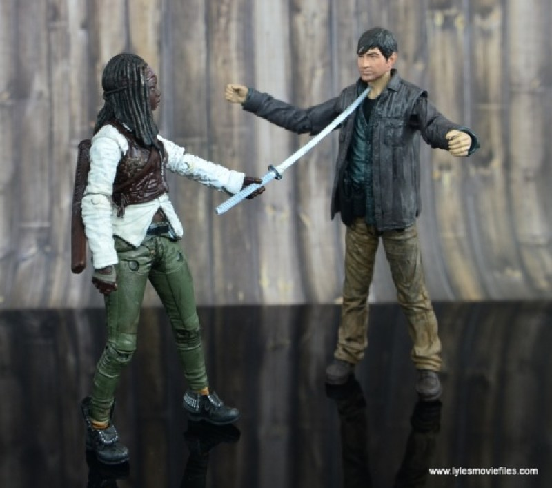 The Walking Dead Michonne figure review - face off with Gareth