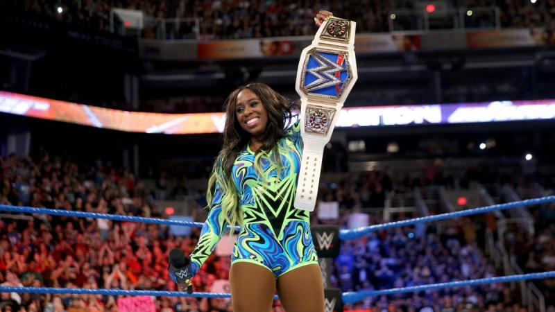 WWE Elimination Chamber 2017 - Naomi with women's title