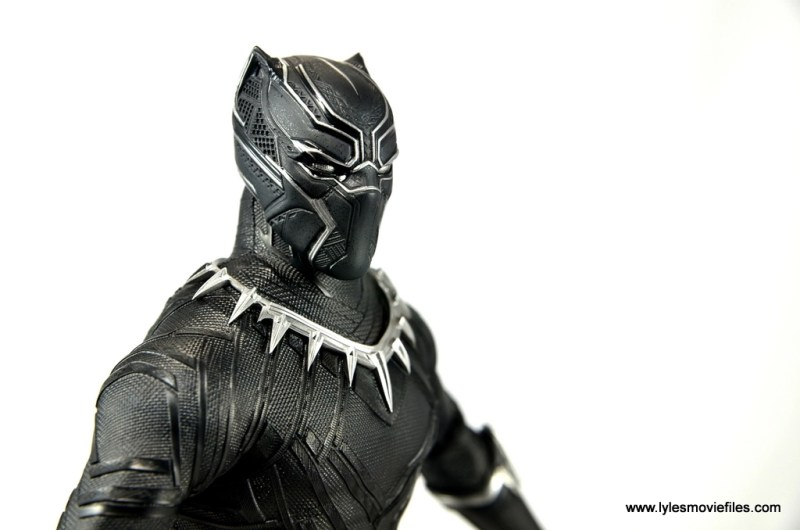 Hot Toys Black Panther figure review - head detail side