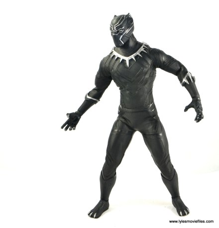 Hot Toys Black Panther figure review - open hands side