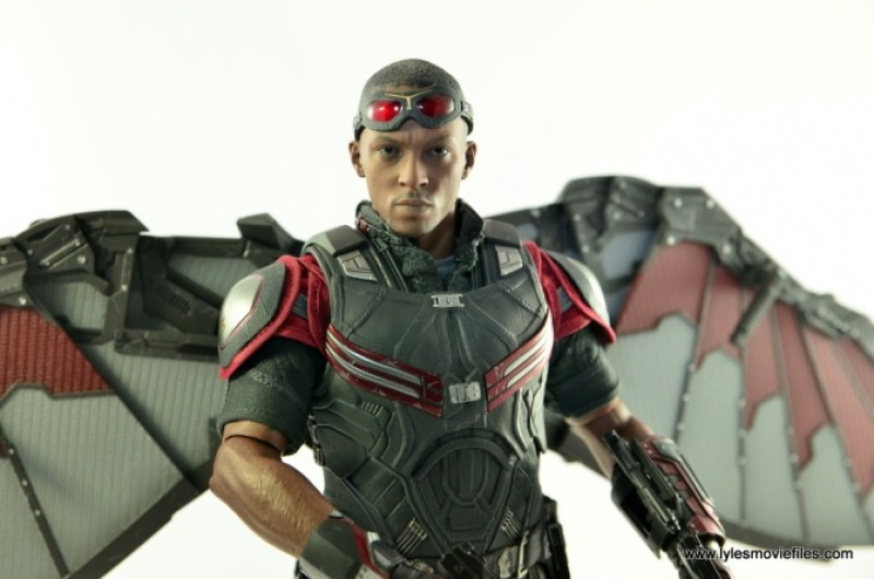Hot Toys Captain America Civil War Falcon figure review -goggles up