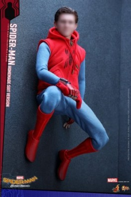 Spider-Man Homecoming Homemade Suit - on the wall unmasked